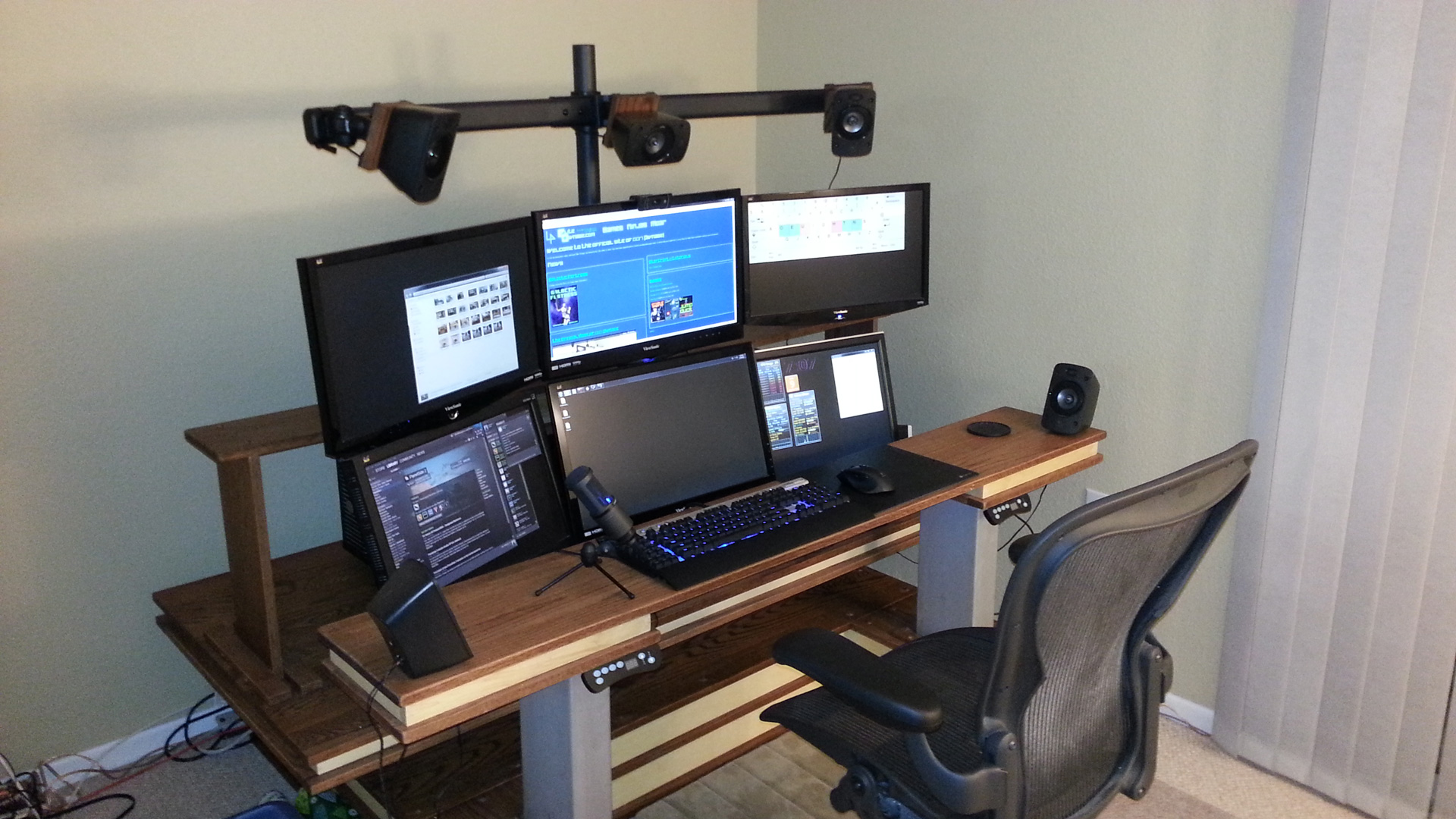 The Official Desk of 1337 Pwnage | The Official Site of ...